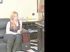 FemaleAgent - Redhead gordita pechugón trata de anal