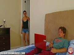 MommyBB a Dana Vespoli caughts do seu enteado masturbando !