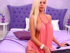 bystiga blonda band utanför sexig klänning - viewcamgirls, com