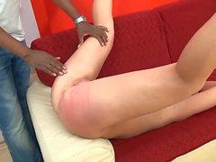 Довольно блондинка шлюха получает киска выебанная и лица от BBC