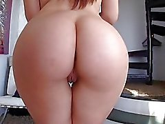 Yağlanmış bir ass Valentina Nappi anal does
