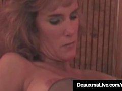 Hot Busty Cougar Deauxma bekommt Strap On von GF Allure gefickt!
