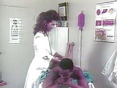 Weinlese- Julia Bond Sexy Krankenschwesterpin