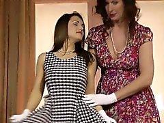 boceta molhada dedilhado lésbica britânico elegante