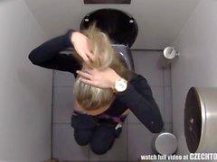 On oltava - kellot Mikä Tyttöjä tekemistä Kylpyhuoneen