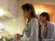 Anri Suzuki Japanse schoonheid geeft hoofd