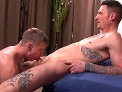 Muscle gay flip flop e Ejaculação