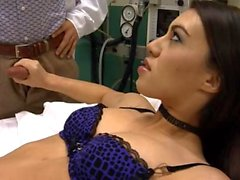 Enfermeira Tiffany boneca porra na meia preta