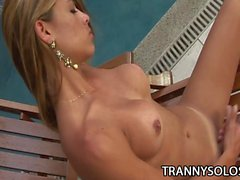 Kamila Smith A Cum Jerking Tranny Folge