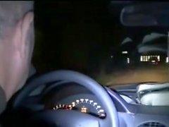Esposa para ser ofendido entrar em um carro com estranho