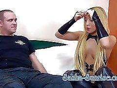 Sasha- Mond - Min erster Sklave - Facesitting Strapon der UVM