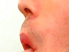 Masturbación en oficina de médicos al llegar al clímax calientes