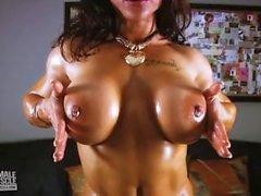 Brandi Mae Riesige Brüste und Muskel-848x480
