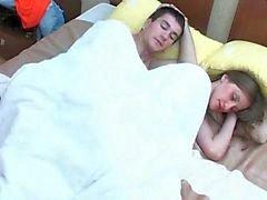Boy gestört gfs Schwester sich im Schlaf Videos - PORNORAMA.COM