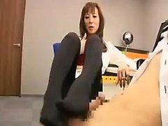 Pantyhosed Orientalische Dame beherbergt einen harten Stachel in ihrem Ach