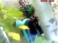 Arabisch meisje Fucked in het bos