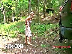 Elise Graves wilde een man om haar opgemaakt op een voetstuk .