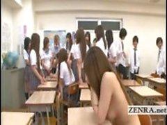 Tekstitetty Japani koulutyttöjä riisua alasti ja alkaa vimma