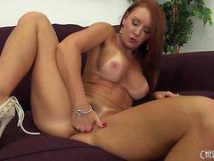 Busty und schöne Janet Mason Solo