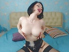 Hot GF auf Cam in sexy schwarzen Dessous und Strümpfe