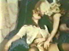 Lesbian Peepshow Loops 533 1970s - Scene 4