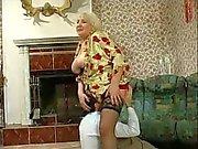 Peituda Granny fodido