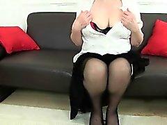 Англичане Granny с большими сиськами является компульсивного рукоблудник