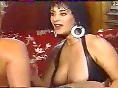 Elodie Cherie - Les Lolos de la Garagiste