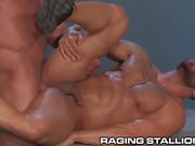 Raging Stallion hungs Clavos ir duro y profundo