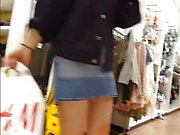 Candid voyeur heta tonåring tight booty shorts shopping