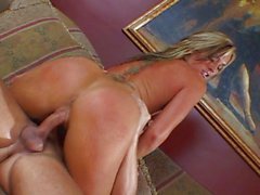 Flower Tucci doing it again