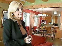 Heißer Begegnung mit very sexy bigtits total Mütter Schlampe