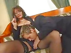 Mature Squirts Terwijl Fucking Young Cock
