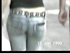 Saftige Gesäß in engen Jeans