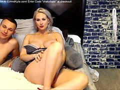 Amateur Blonde mit großen Titten Dildoing DP