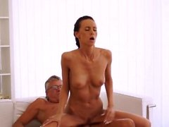 Teen monster cock Slutligen hon fick sin manager dick