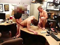 Filipino nackt hunks Gebot Schwanz Homosexuell Er verkauft seine engen Hintern für