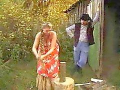Venäjän iso tited tyttö saa munaa