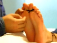 Çinli kız öğrenci 4 Tickle