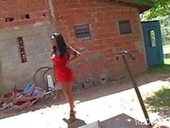 Peituda Latina à procura de sexo
