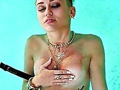 Di Miley di Ciro svestita !