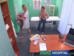 FakeHospital Hoitajan viettelee tietokone teknikko