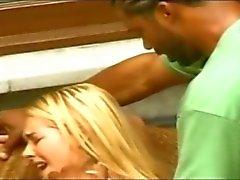 Interracial neuken op de bank ( vanaf 7 levens xposed )