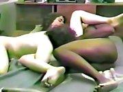 Marido corno ajuda por favor amante negro de sua esposa