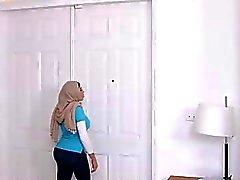 Ein Tabu der arabischen Pornostar Mia Khalifen Mittelnamen !