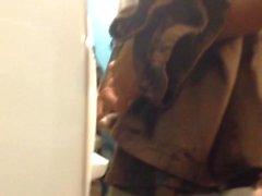 Str8 arabe il devient difficile dans toilette publique