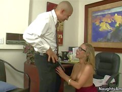 Seductive blonde secretary Leight in stockings has wild wet adventure