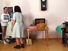 Coser mulheres idosas andorinhas pênis de de cliente