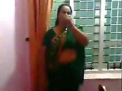 Indischen Tante 1.324