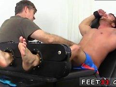 Çıplak plaj grup gay porno filmler Güreşçi Frey Sonunda Tickl